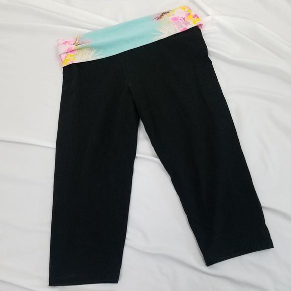 6622ac86ec99f9 PINK Victoria's Secret Pants | Pink Vs Crop Yoga Size Medium Black ...